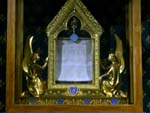 Chartres, Sancta Camisia, the veil of Virgin